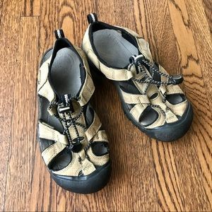 Keen Venice Tan Leather Suede Sandals Closed Toe